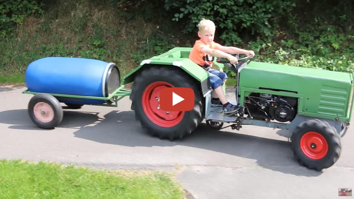 echter traktor mit einen motor f r kinder toy show. Black Bedroom Furniture Sets. Home Design Ideas
